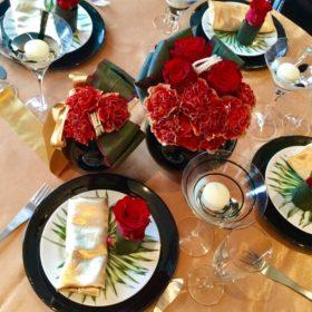 赤と黒のテーブルコーディネート