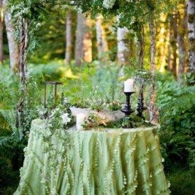 森の中のウェディング